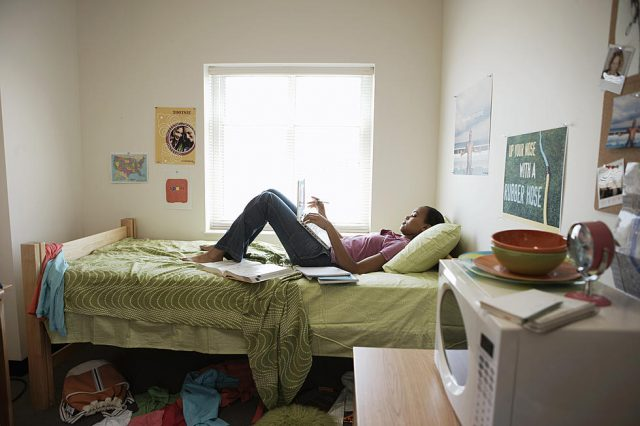 How To Deal with Annoying Roommate